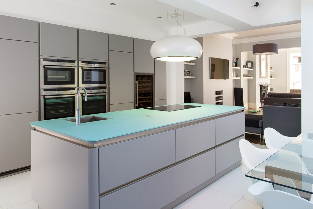 modern kitchen photograph in York townhouse