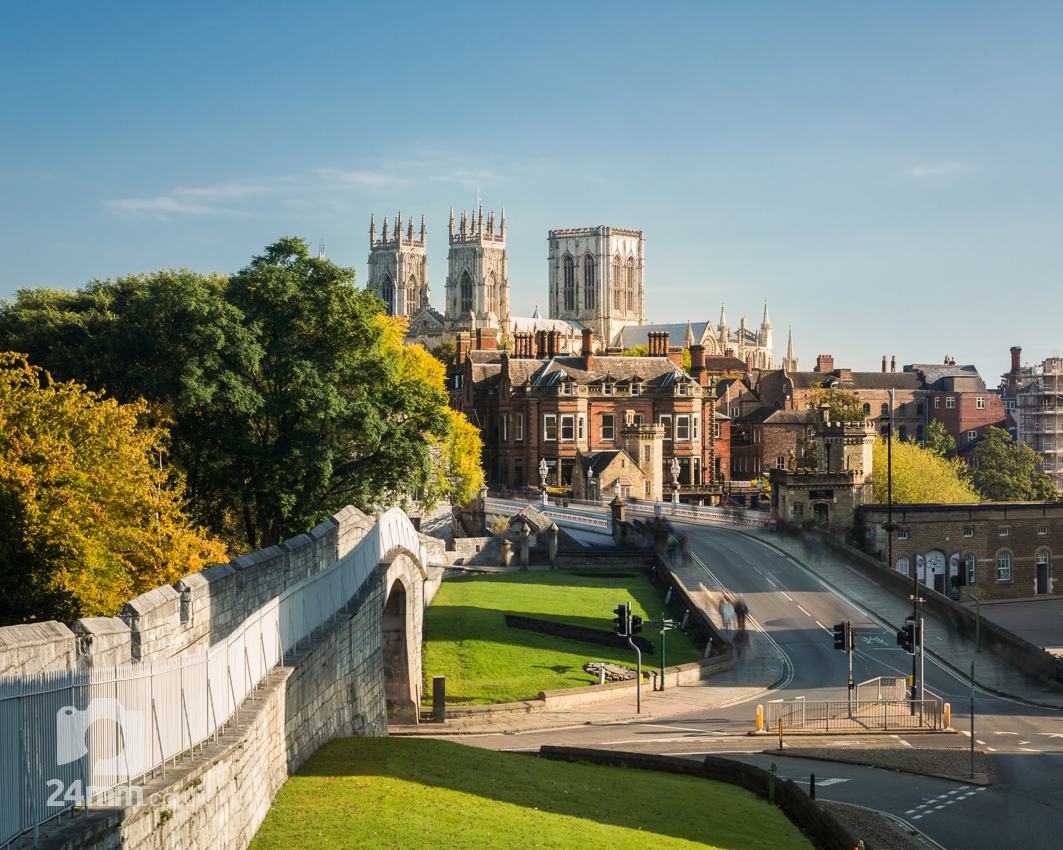 York Minster from the City Walls, Long exposure daytime